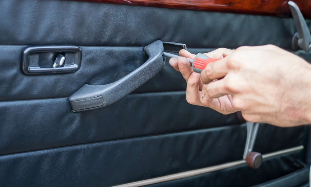 car door repair by locksmith